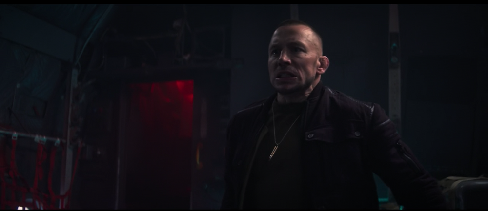 (But while Sam is kicking a**, this dude decides that he's gotta stop fighting, pound his chest at least 2 times, and remind people HES tough. Like, what was that?? 😂)