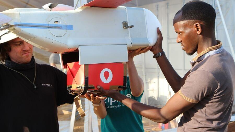 Drohne Blutkonserven Medizineinsatz Afrika