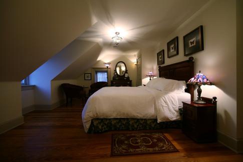 Sugar Maple Room Bed