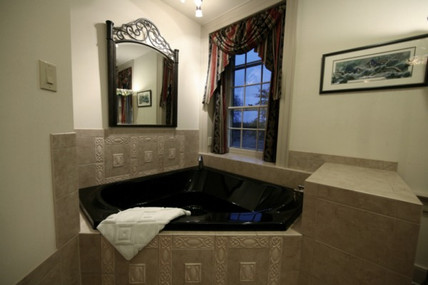 copperbeech-jacuzzi-600w_edited.jpg