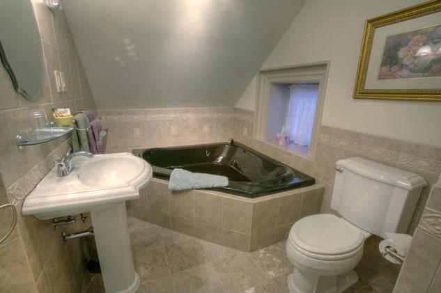 Gingko Bathroom with Shower