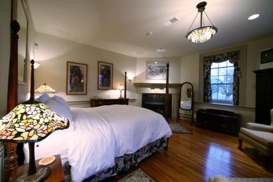 Hazulnut Room