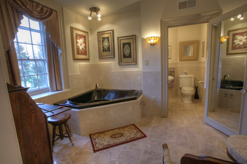 Magnolia Suite Bathroom