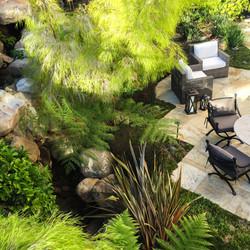 courtyard lounge dining