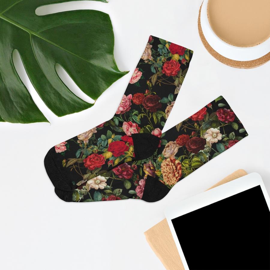 english-rose-garden-on-black-socks.png