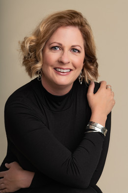 Heirloom portraits - capturing a woman's beauty and strengh - by Christchurch portrait photographer Kirsten Naomi Photography