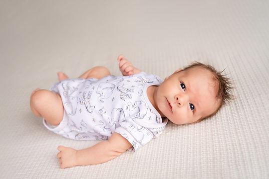 At home Newborn 800px-1-3.jpg