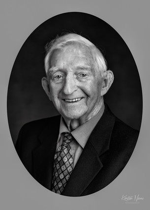Portrait of a distinguished elderly gentleman by Christchurch family photographer Kirsten Naomi Photography
