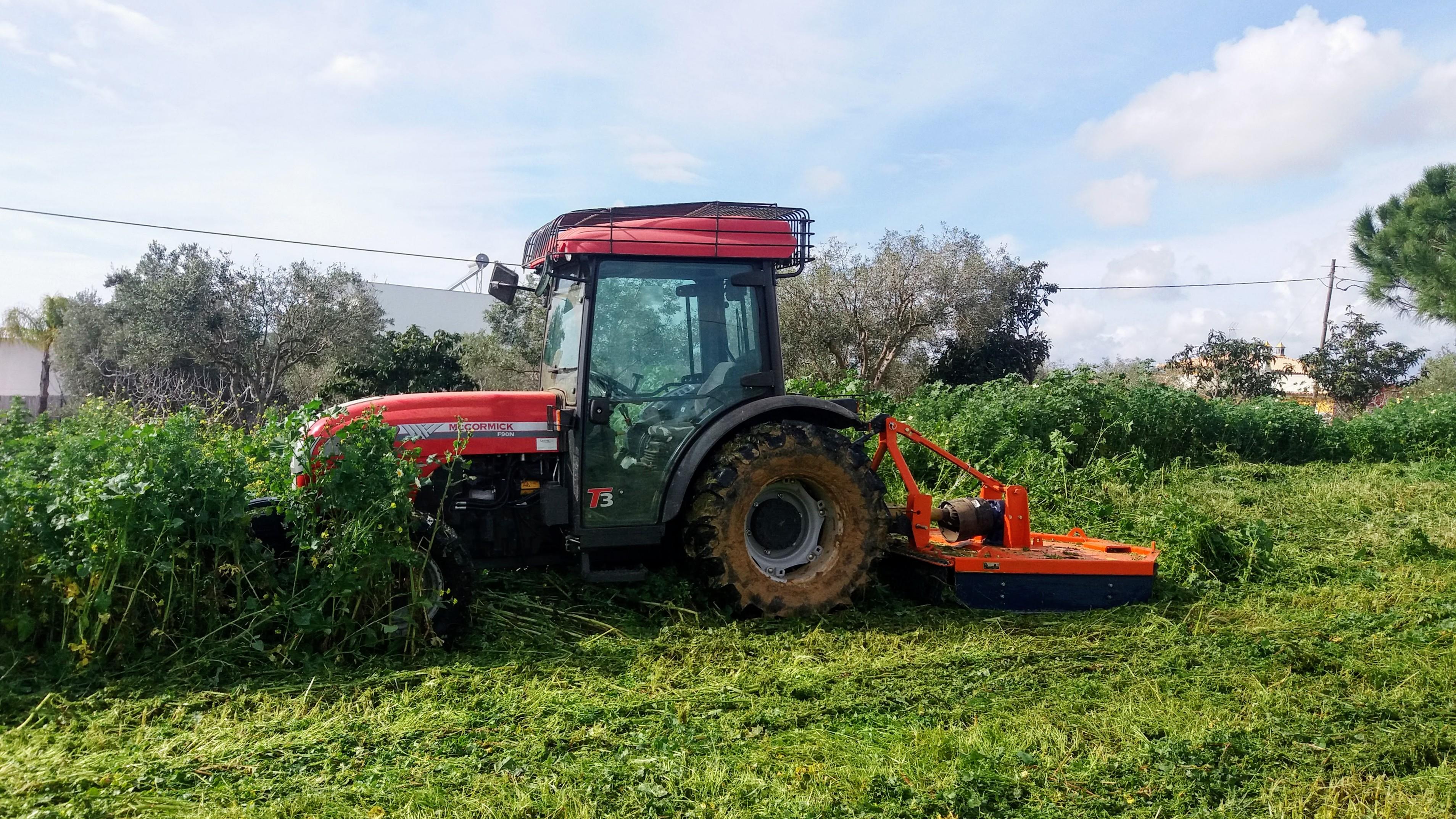 Roça-Mato (acoplado a tractor)