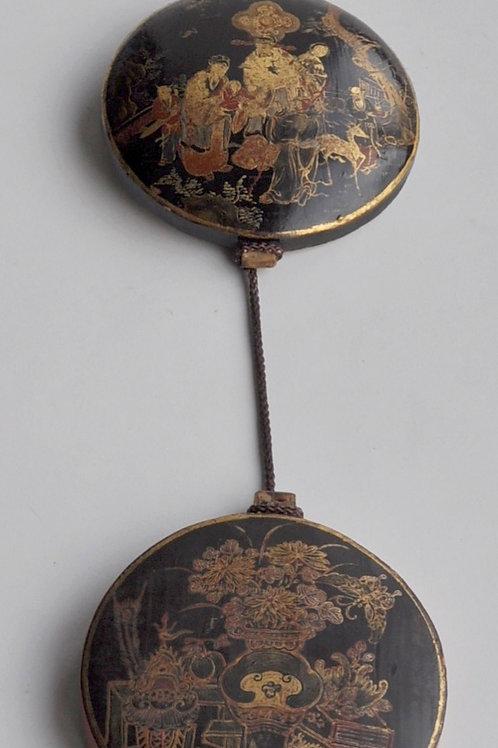 Chine - Guirlande à 3 médaillons en bois laqué - Début XXème