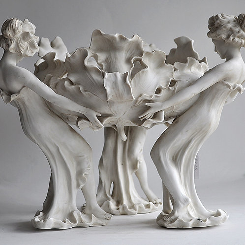 Centerpiece - Art Nouveau - Washbasin - signed