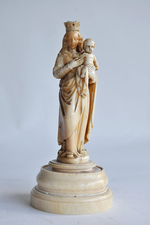 Dieppe - Virgin and Child - Circa 1700 - Ivory - Early 18th Century