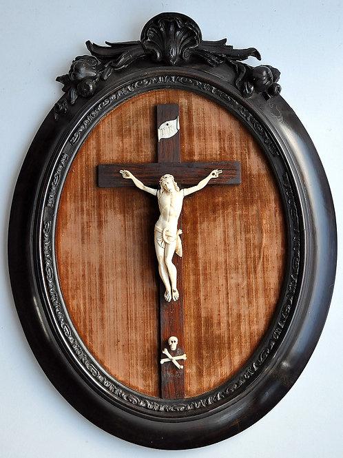 Crucifix - Christ En Ivoire Sculpté - France Dieppe - XIXème