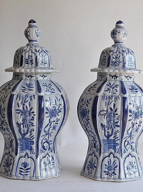 Delft - Paire de vases ou pots couverts - Circa 1900