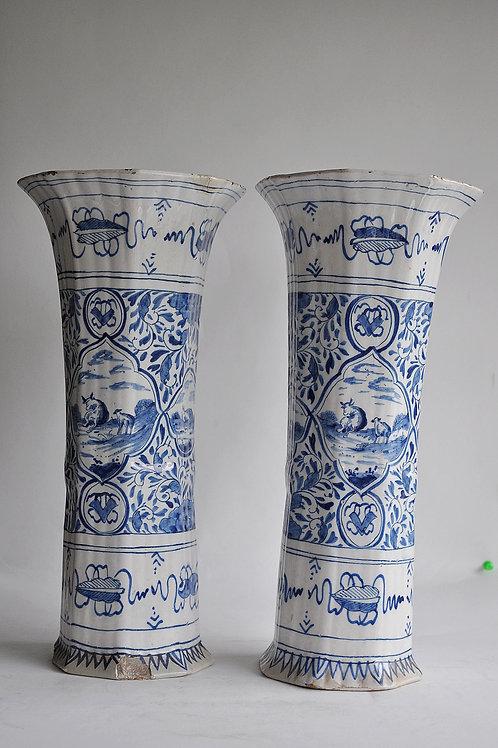 Delft - Paire de vases octogonaux - XVIIIème