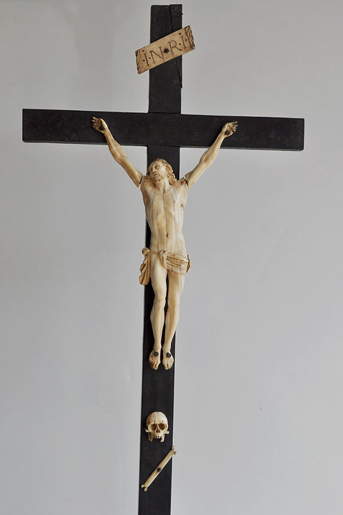 Crucifix Avec Christ - Bois, Ivoire - Milieu Du XVIIIe Siècle