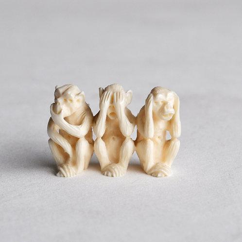 Groupe en ivoire - Trois singes - Milieu XXème