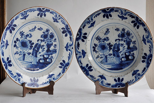 Delft - pair of plates - XVIIIth