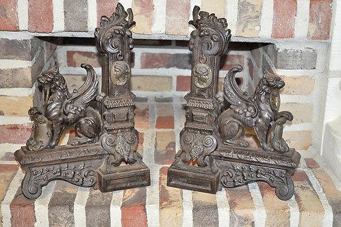 Paire de devant de cheminée - Lions ailés - Epoque Restauration