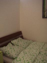 greenroombed-187x250jpg