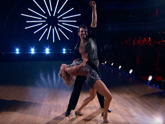 Watch Nyle DiMarco Dancing the Incredible ChaCha 'Cake by the Ocean - DNCE'