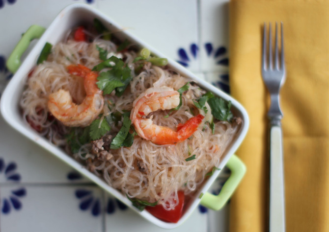 Spicy Glass Noodle Salad: Yum Woon Sen