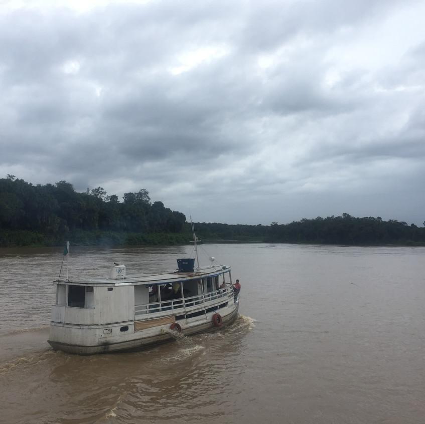 Barco e nosso Amazonas