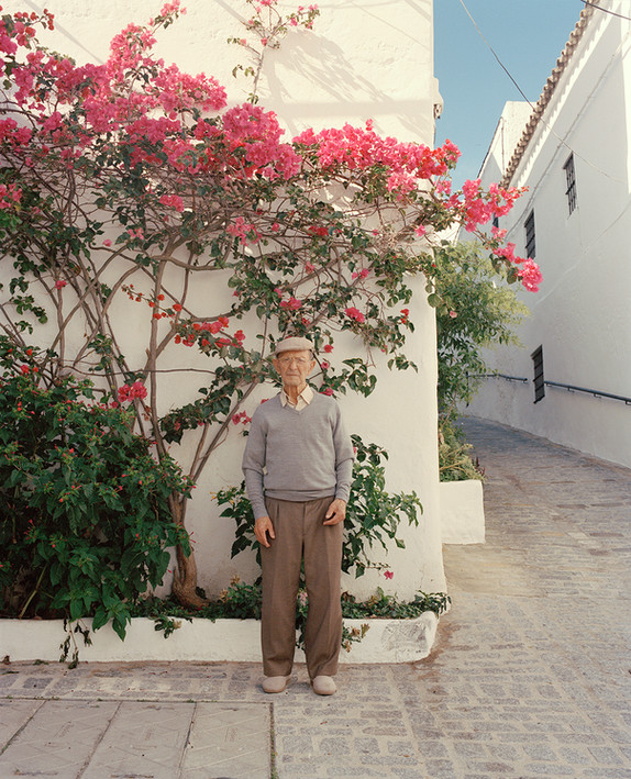Paco and the Pink Bougainvillea. Vejer, 2020.