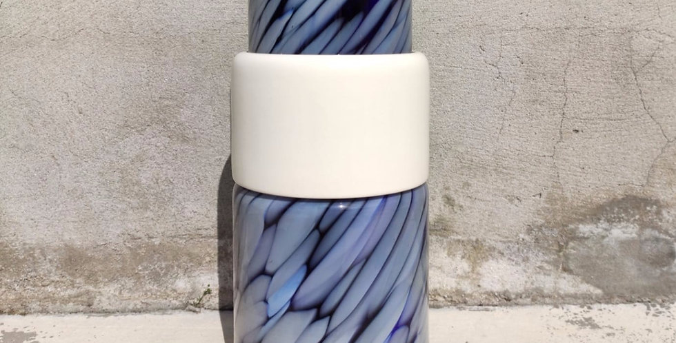 Blue vase Totem #3 - 1 white ananas ring