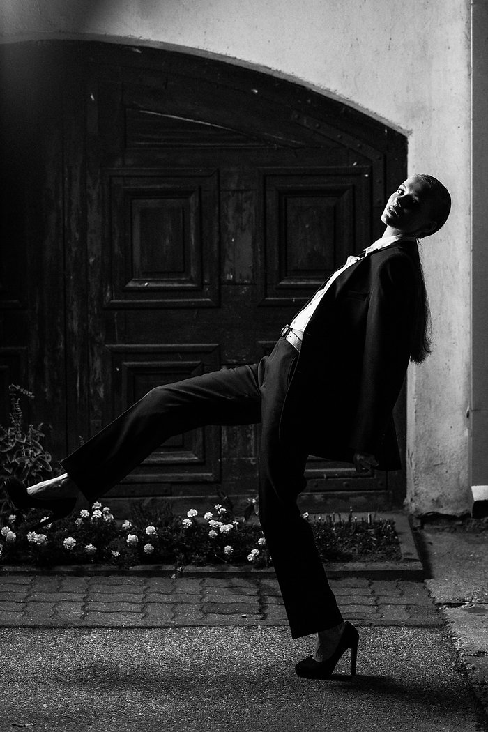 Ivaizdine mados fotografija| Komercine fotografija | Editorial fotografija | Mergina natiniame mieste | Mados fotografas | Edgaras Bajercius