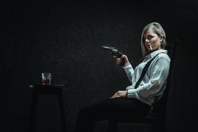 Rezisuota fotsesija | Ivaizdine fotosesija | Kinematografija | Mergina su ginklu | Mafijozes fotosesija