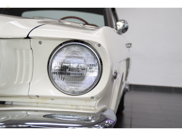 1964-12-Ford-Mustang-Convertible-5.jpg