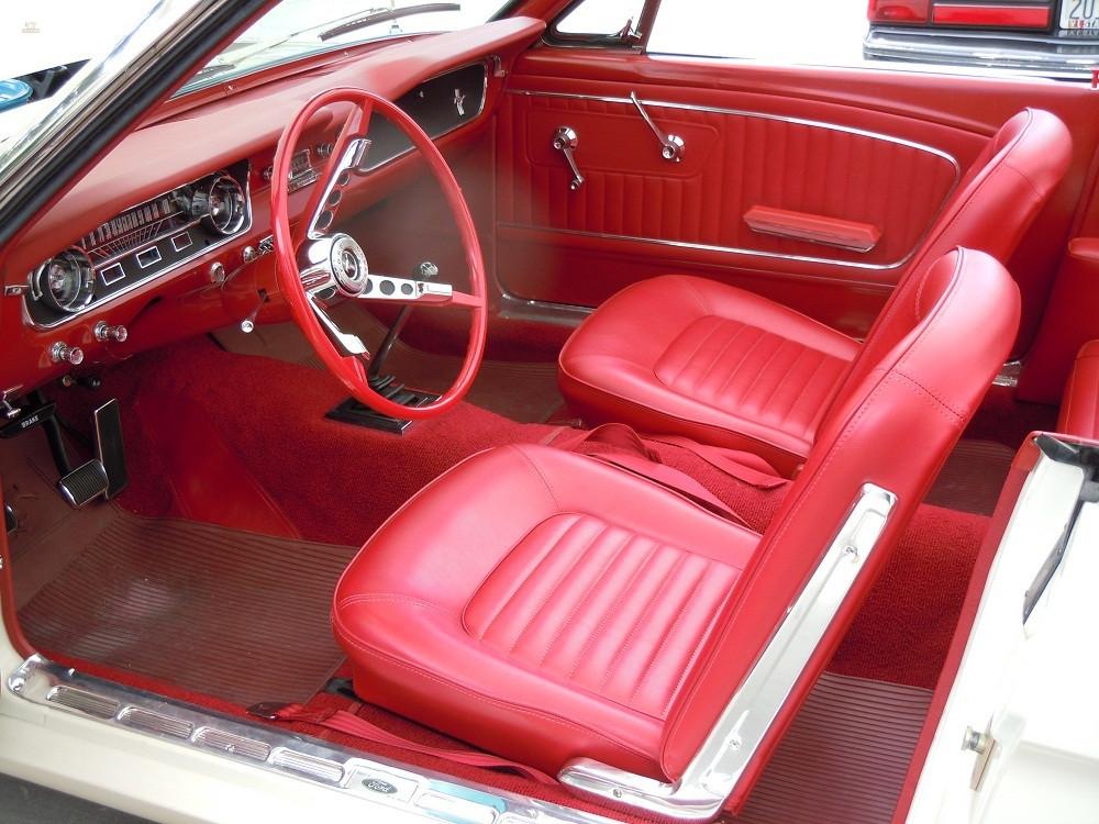 1964-12-Ford-Mustang-Convertible-11.jpg