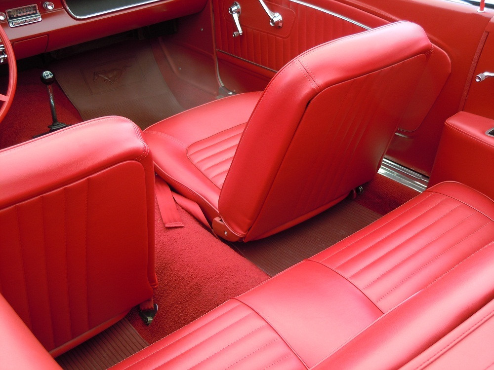 1964-12-Ford-Mustang-Convertible-13.jpg