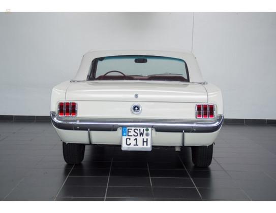 1964-12-Ford-Mustang-Convertible-4.jpg