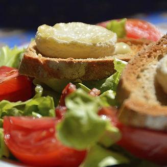i98458-salade-au-chevre-chaud-facile.jpg