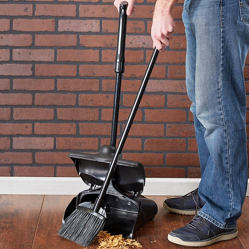 """Rubbermaid 7 1/2"""" Front of House Pro Deluxe Angled Lobby Broom,35"""""""