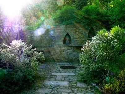 Viaje a Avalon | Chalice Well | ARIMA