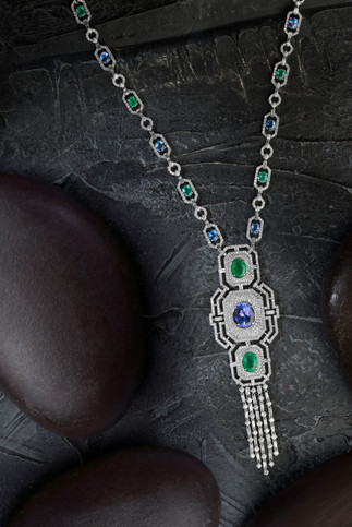 Jewellery with Blue and green Sapphire