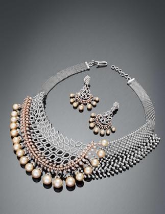 An elegant diamond necklace