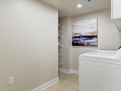 Salle de lavage et rangement