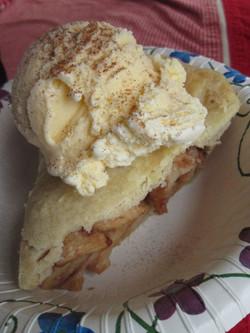 apple pie and icecream