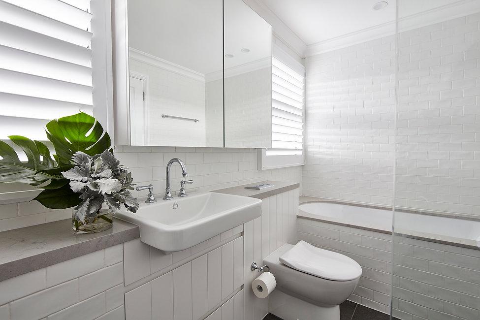 interior design / bathroom design / naremburn / modern kitchen / timber floor / sydney / australia / renovations /alterations / bentley design
