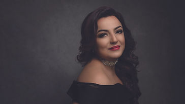Persian-Australian singer, Shirin Majdteymouri has taken her performances across the world and the world is her source of inspiration. She sings in Farsi, Turkish, Spanish and English, drawing on the musical traditions of those cultures.