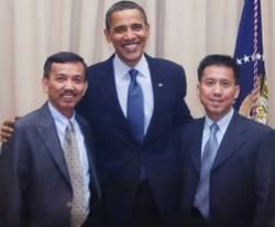 Victor_and_David_with_obama_edited_edite