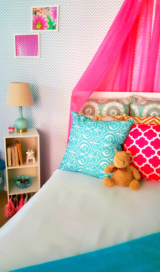 Pre-teen girls bedroom design