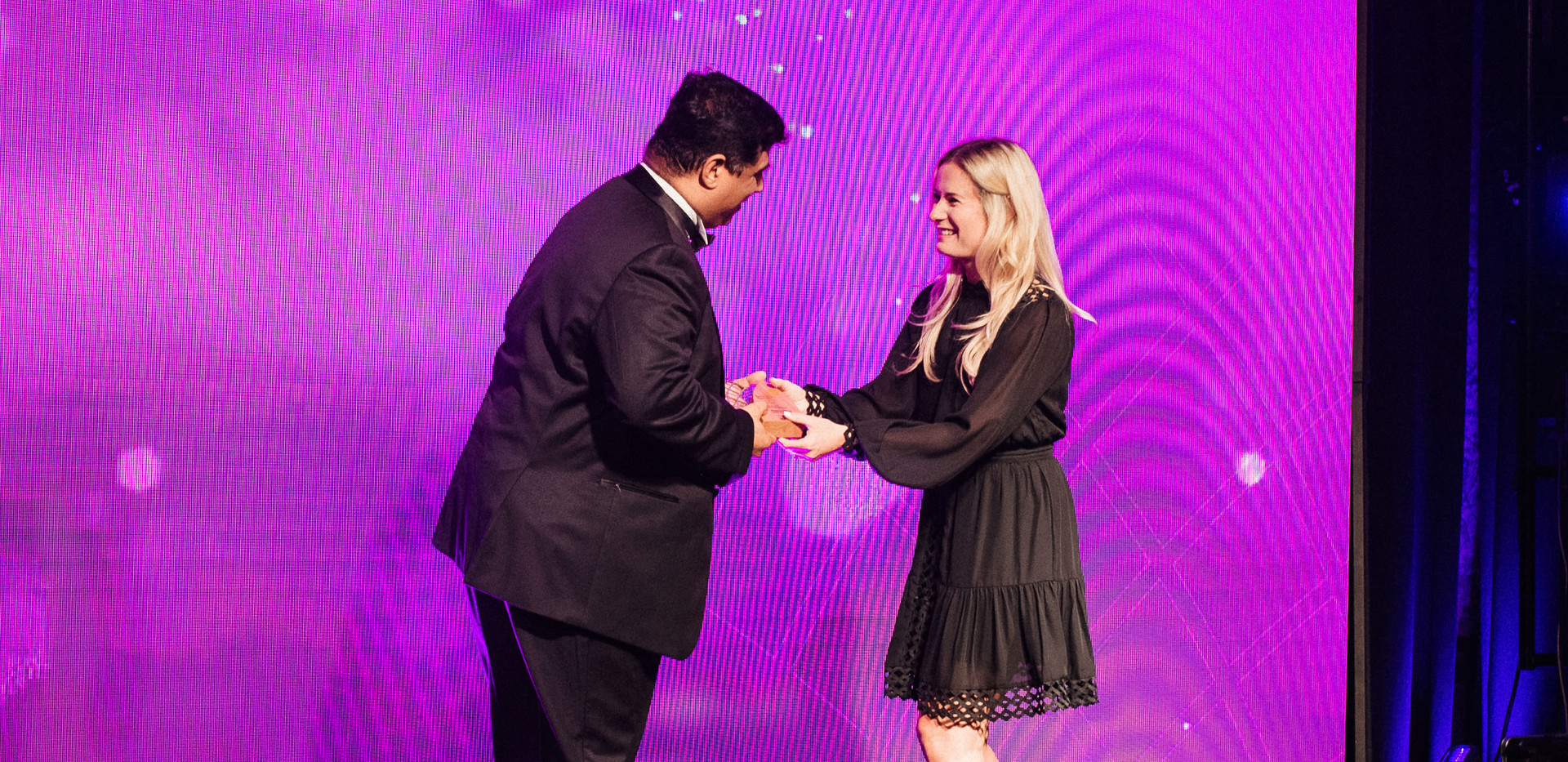 Chandan Ohri receiving the award