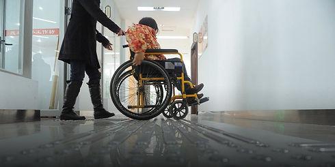 На коляске в больнице.jpg