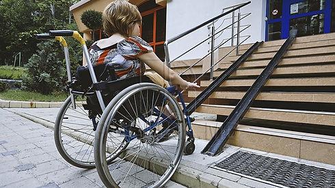 persoana-cu-dizabilitati_65883600.jpg
