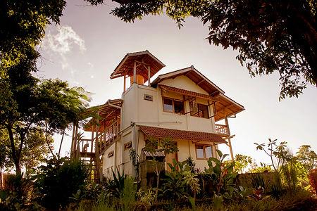 supersuck, maluk, accomodation, sumbawa, surfing, hotel, indonesia,maluk hotel, maluk house, surfing west sumbawa